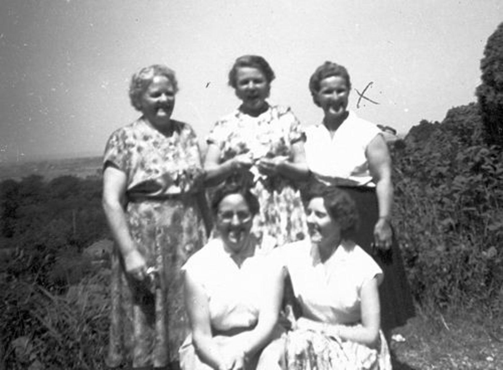 Imanse - Bliek Leentje 1920 19__ Dagje uit v NH Kerk 01