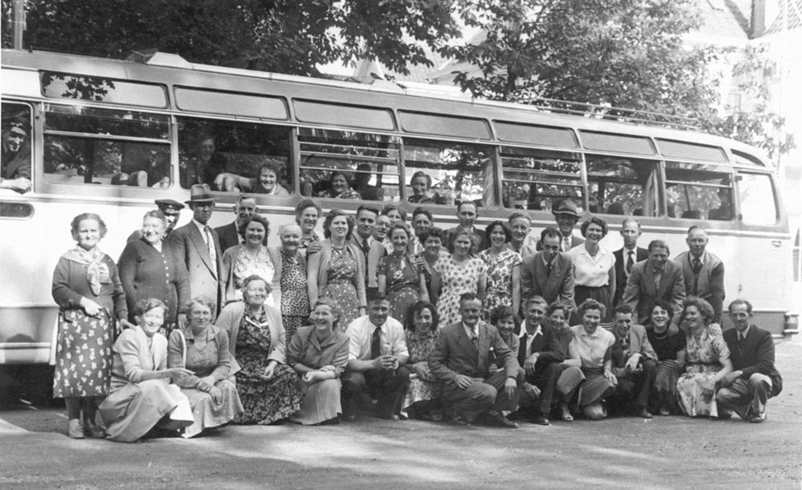 Imanse - Bliek Leentje 1920 19__ Uitje met de Reisvereniging