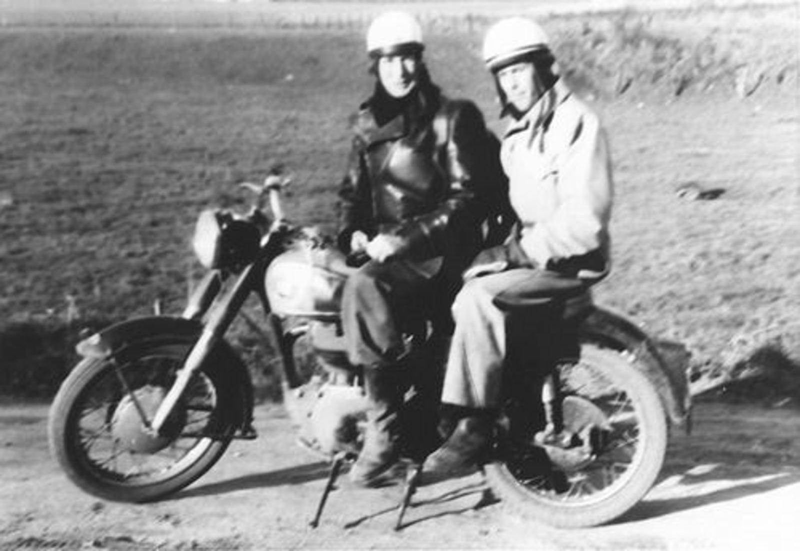Imanse Iman C 1920 19__ op de Motor met Piet Bakker