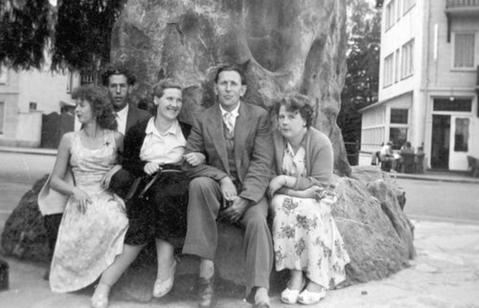 Imanse Iman C 1920 19__ Uitje met Vrienden Serie 61 03