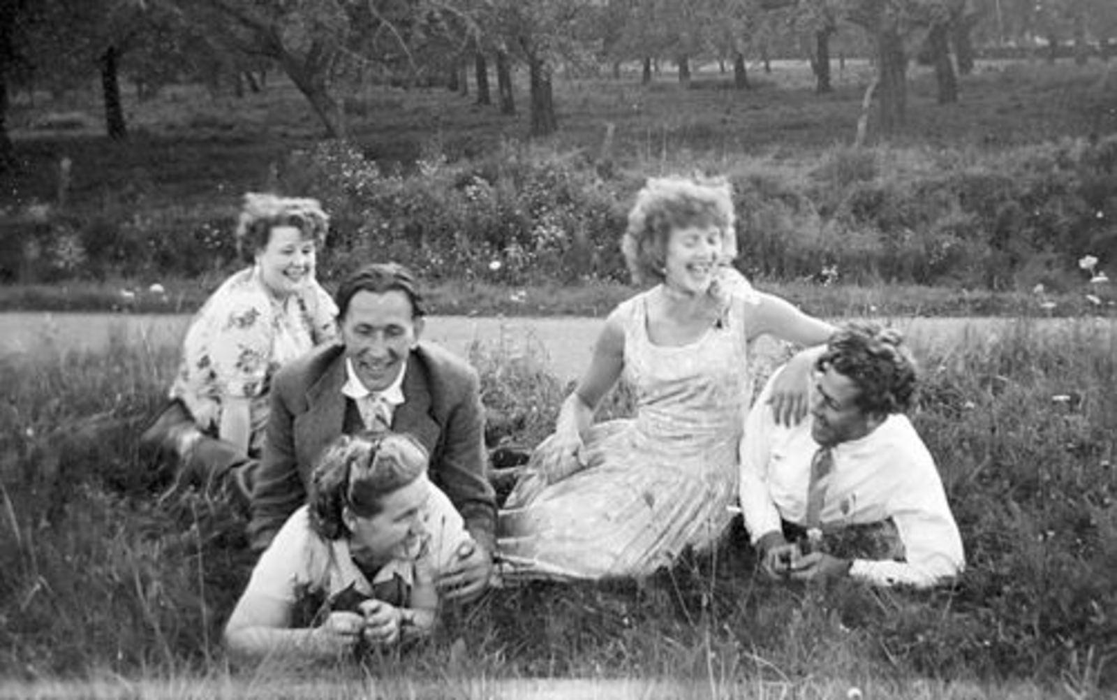 Imanse Iman C 1920 19__ Uitje met Vrienden Serie 61 06