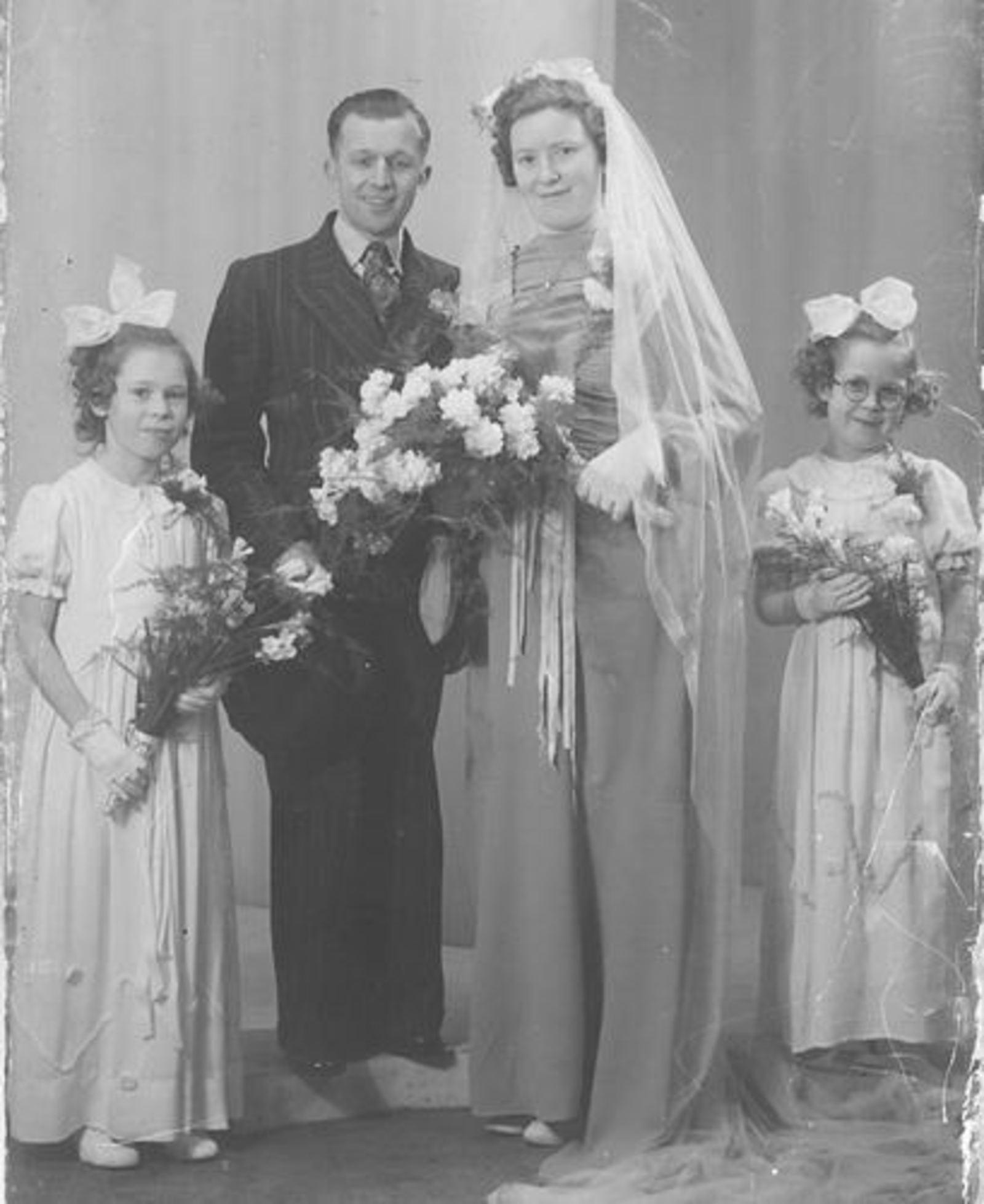 Imanse Riet 1933 19__ trouwt Roen Nelissen