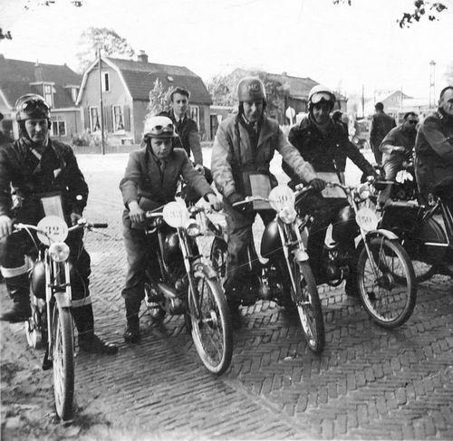 Jong Leen de 1934 1954 Brommerclub in Soest