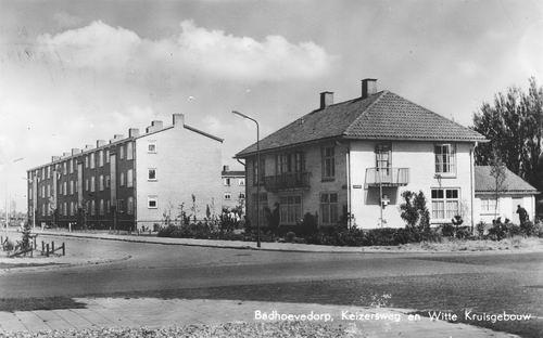 Keizersweg 1957 en Witte Kruisgebouw