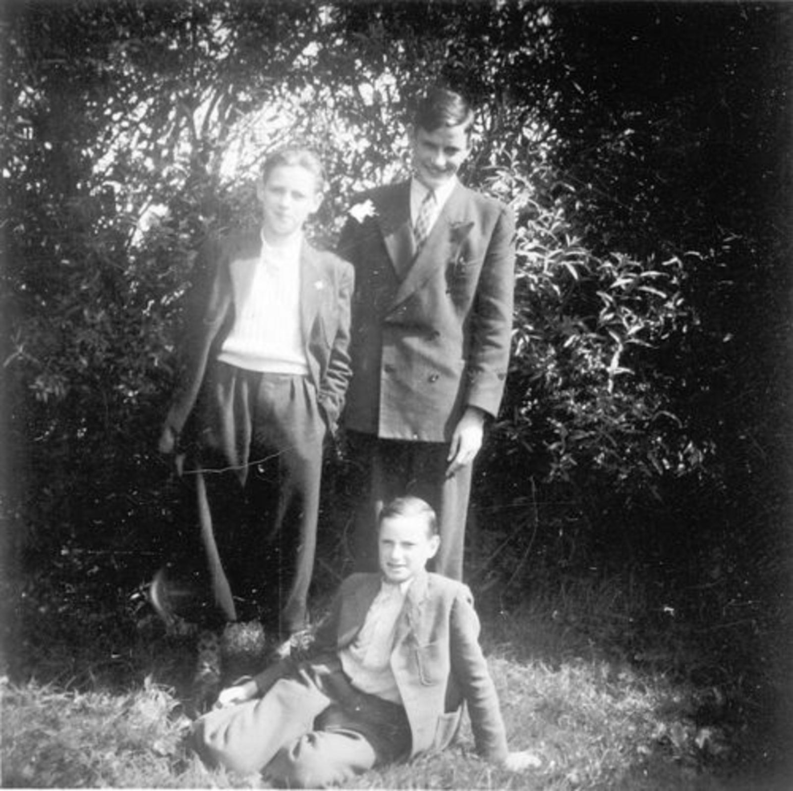 Koeckhoven Cor 1939 1950 met broers Theo en Jan
