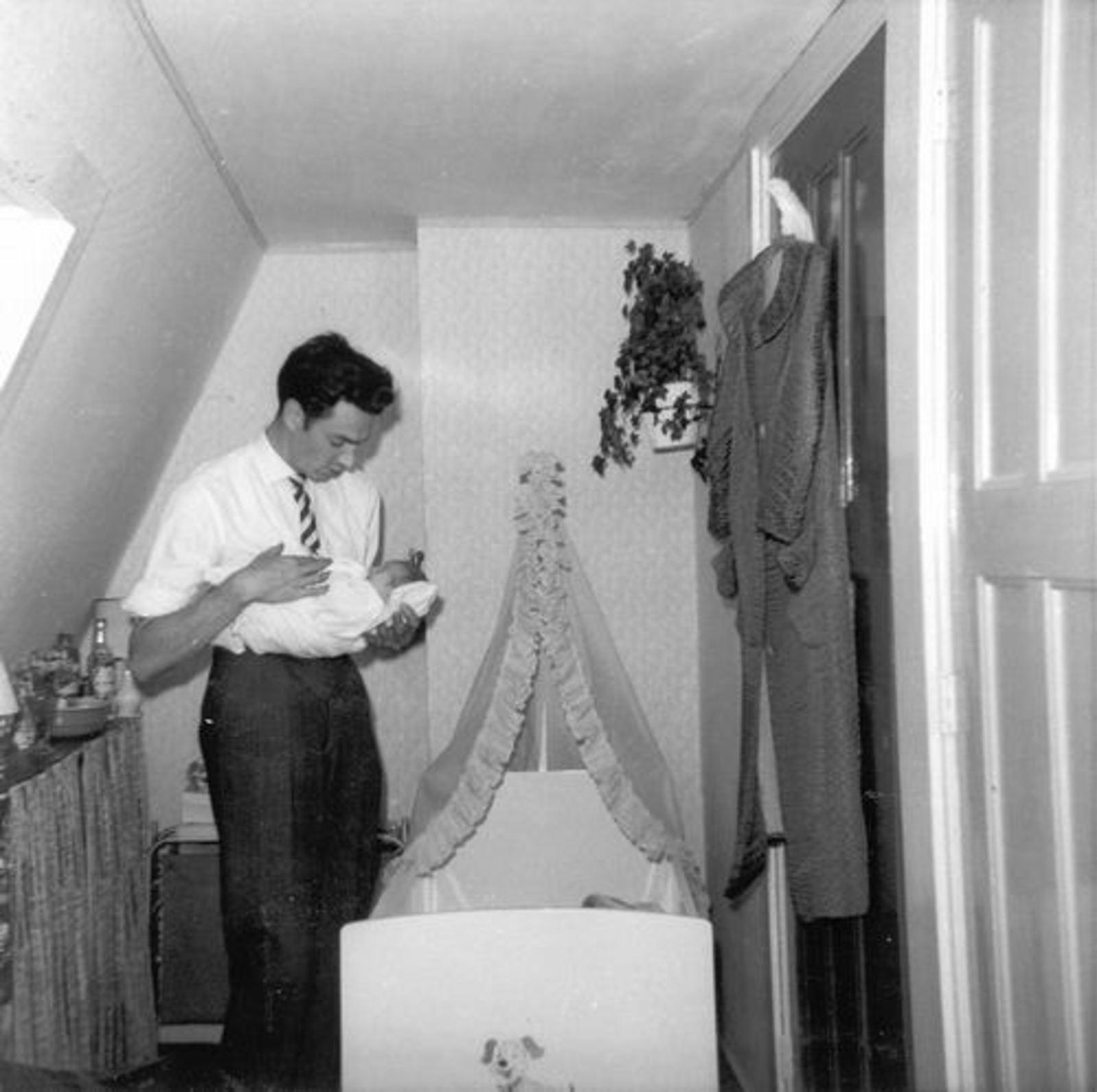 Koeckhoven Cor 1939 1963 zoon Edwin als baby 00
