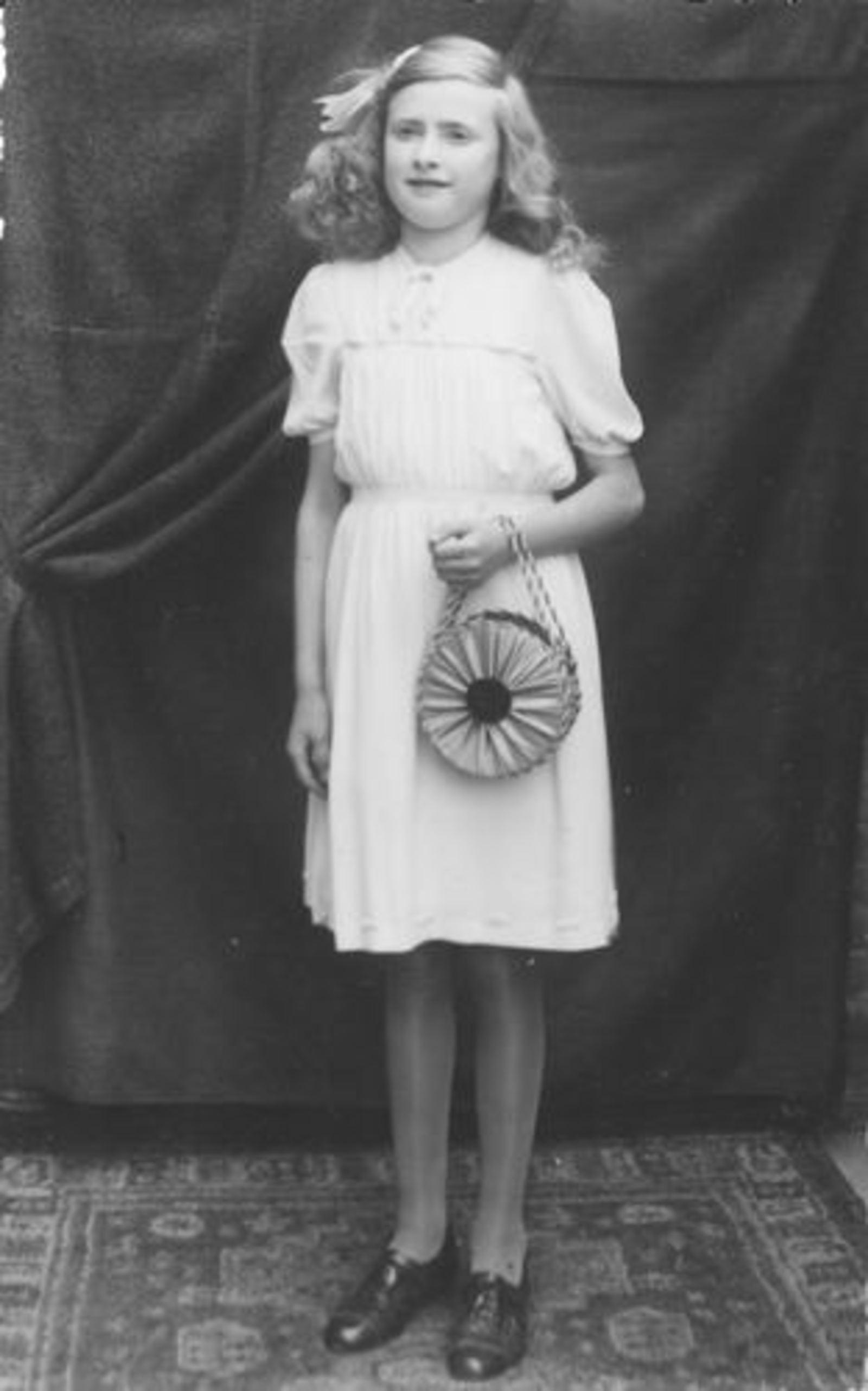 Koeckhoven Ria 1930 1943± bij Plechtige Hernieuwing Doopbelofte
