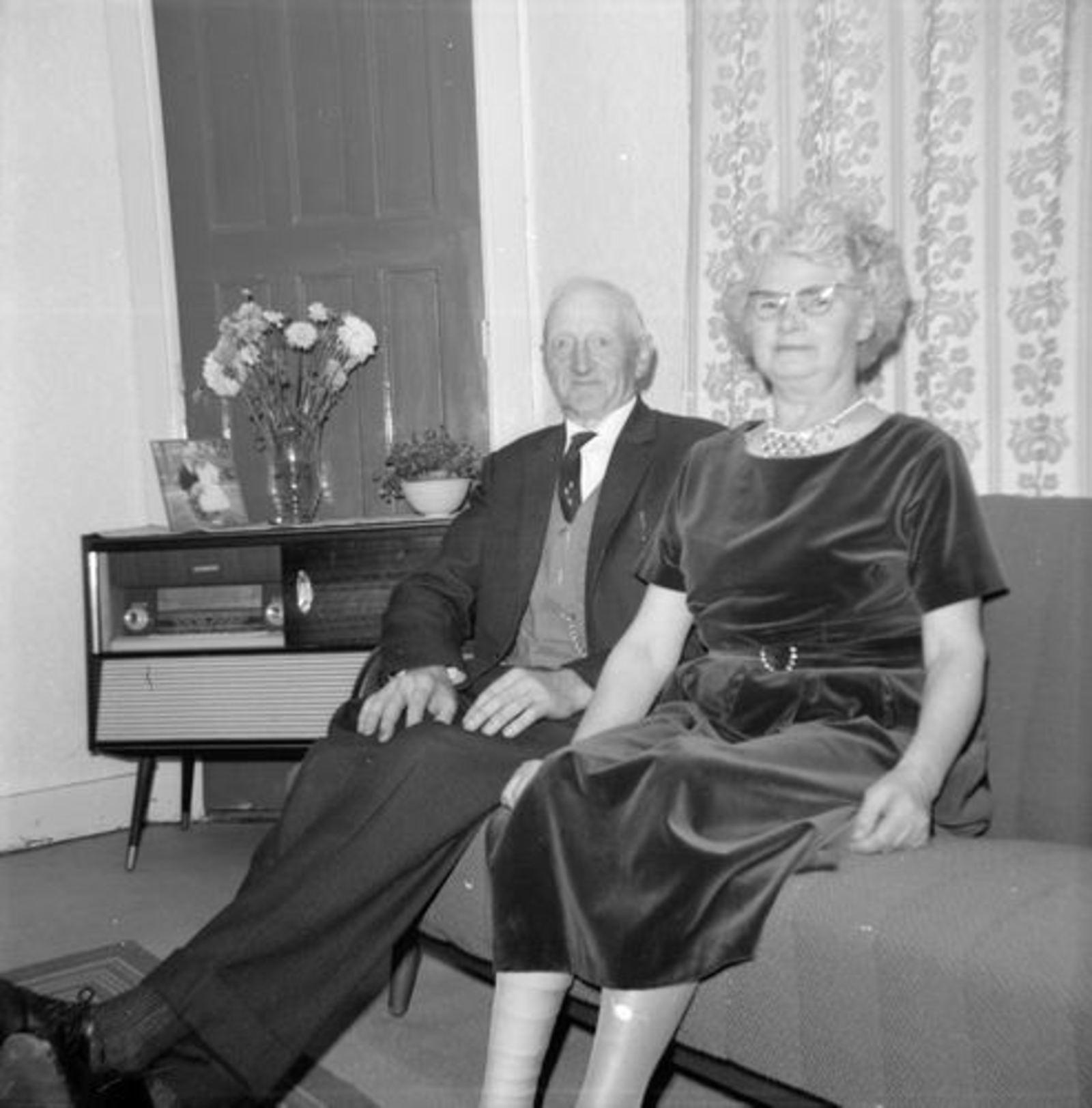 Koeckhoven Therus 1964-65 binnen met Vrouw 01