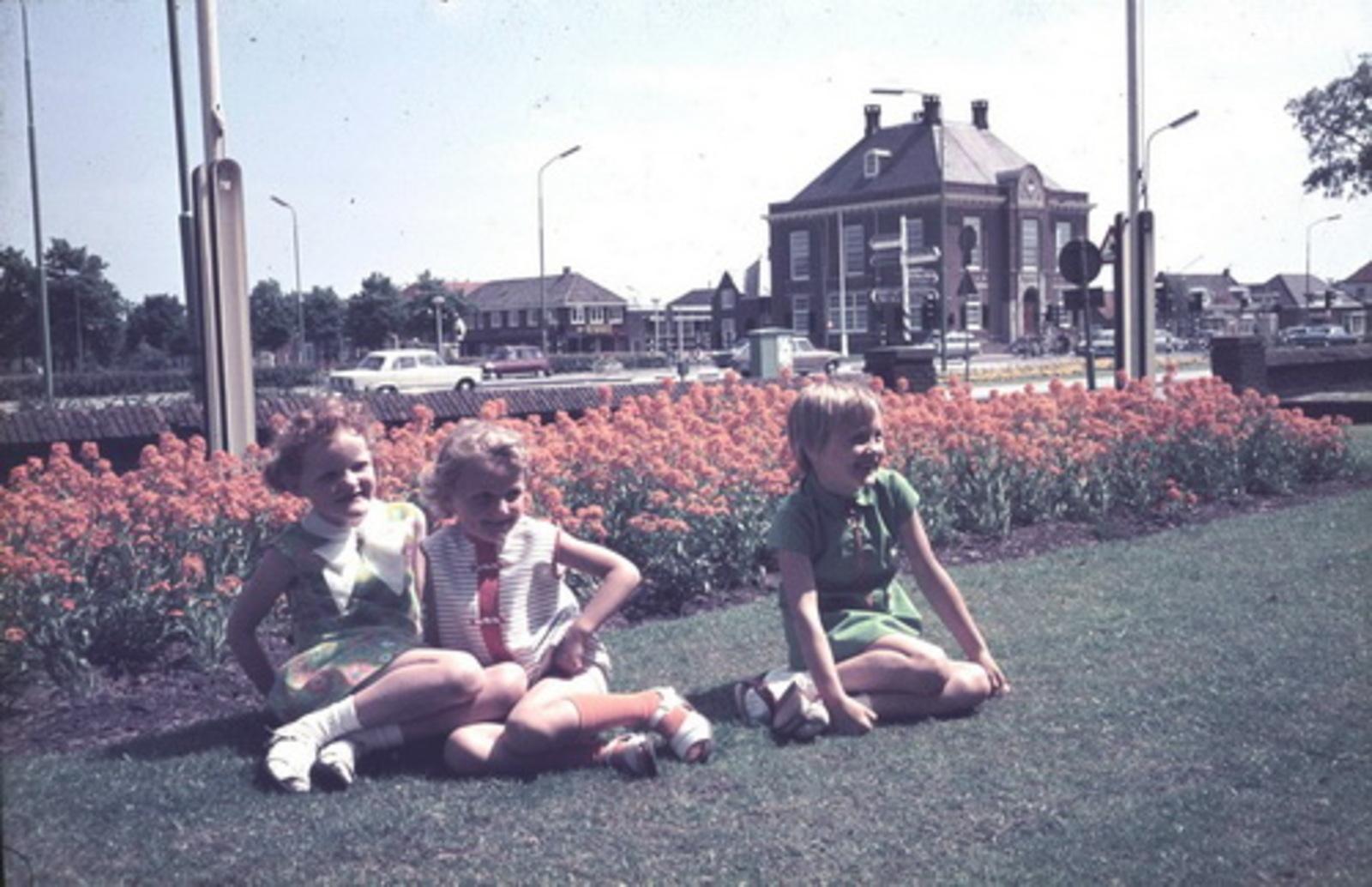 Koning Marja en  Jeanette de 197_ met Annette Sauer