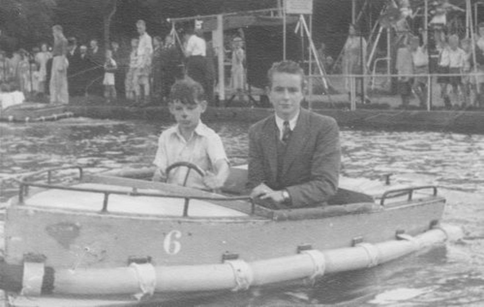 Koolbergen Aad 1941 1950± in Oud Valkeveen met Gerus Schelvis