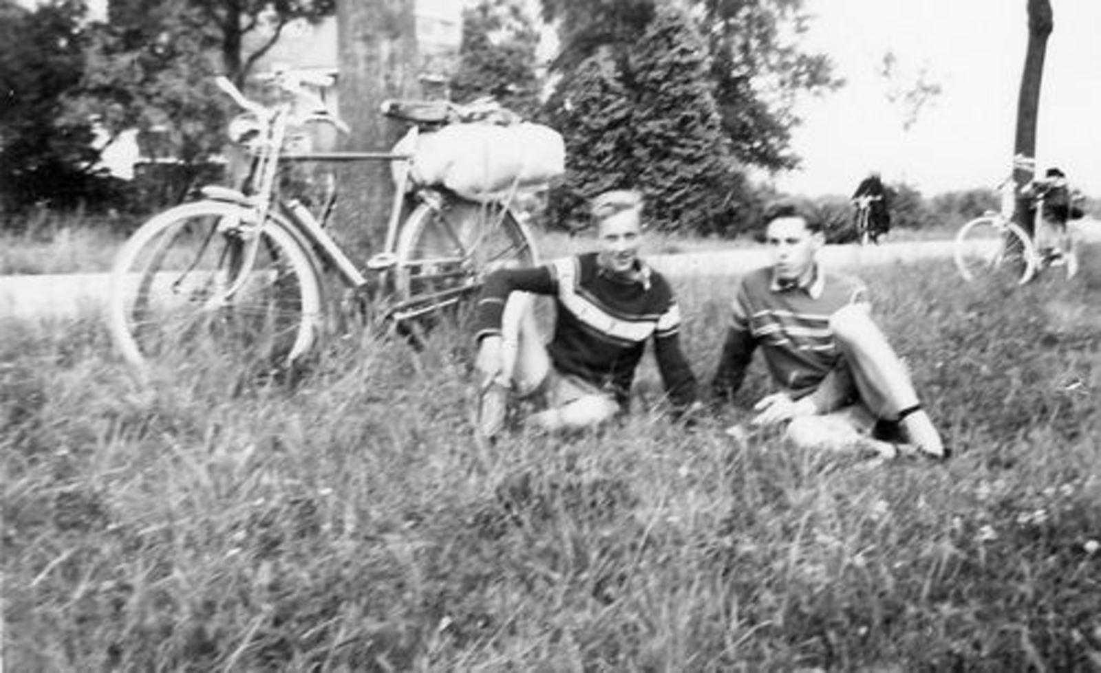 Koolbergen Aad 1941 1957± Fietsen met Vrienden 01