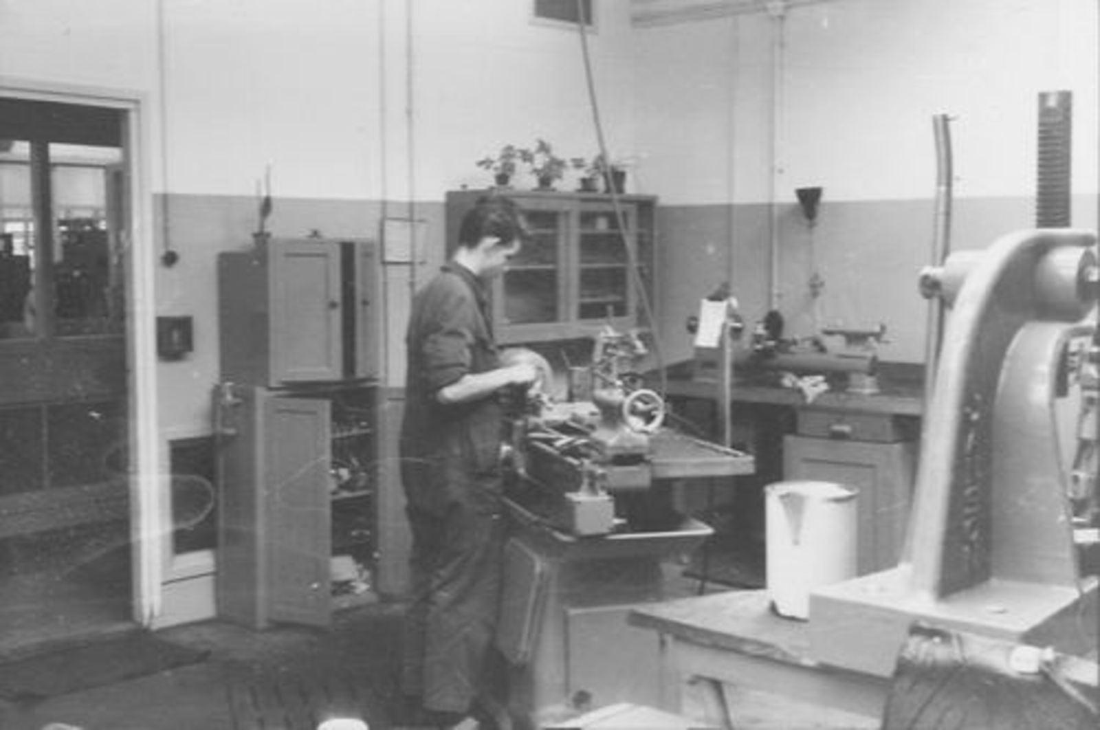 Koolbergen Aad 1941 1957± op Bedrijfsschool KLM 02