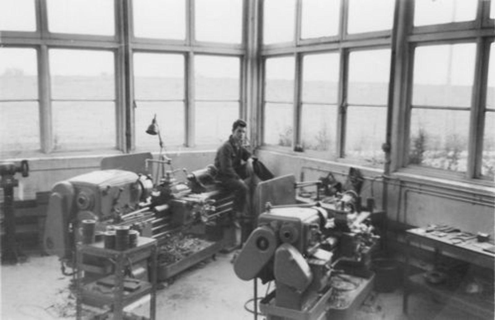Koolbergen Aad 1941 1957± op Bedrijfsschool KLM 04