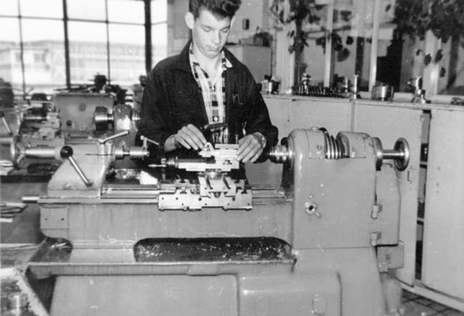 Koolbergen Aad 1941 1957± op Bedrijfsschool KLM 05