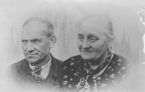 Koolbergen Adrianus 1885 19__ Portret met vrouw Serapnina v Loij
