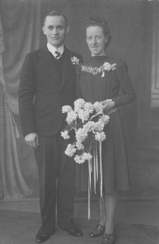 Koolbergen Cor 1919 19__ trouwt Aagje Broere