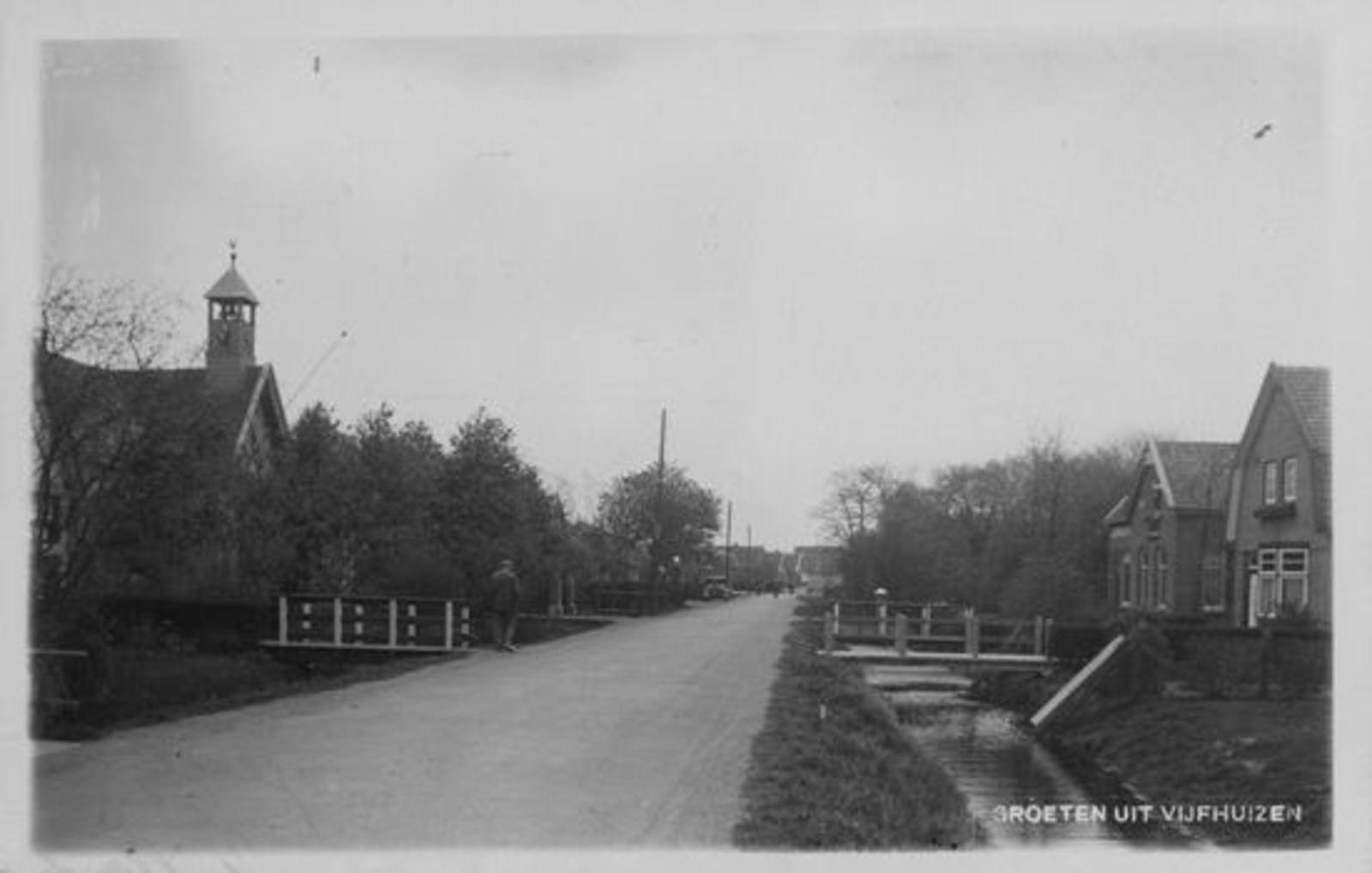 Kromme Spieringweg W 0515 1936± Zicht met NH Kerk
