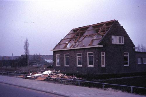 Kruisweg N 0431 1972  Sloop Huize vd Linden 05