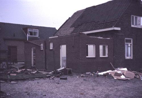 Kruisweg N 0431 1972  Sloop Huize vd Linden 06