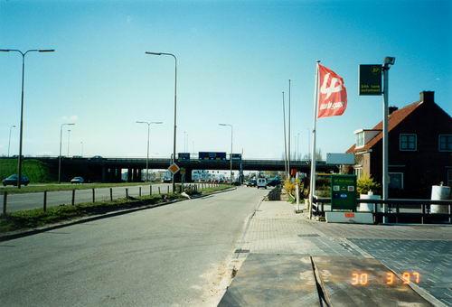 Kruisweg N 0477 1997 door WJ vd Linden 13