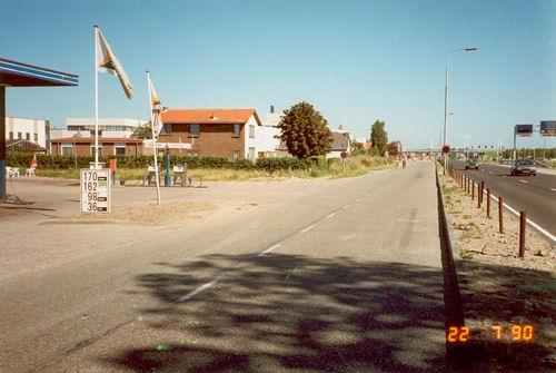 Kruisweg N 0595 1990 door WJ vd Linden 05
