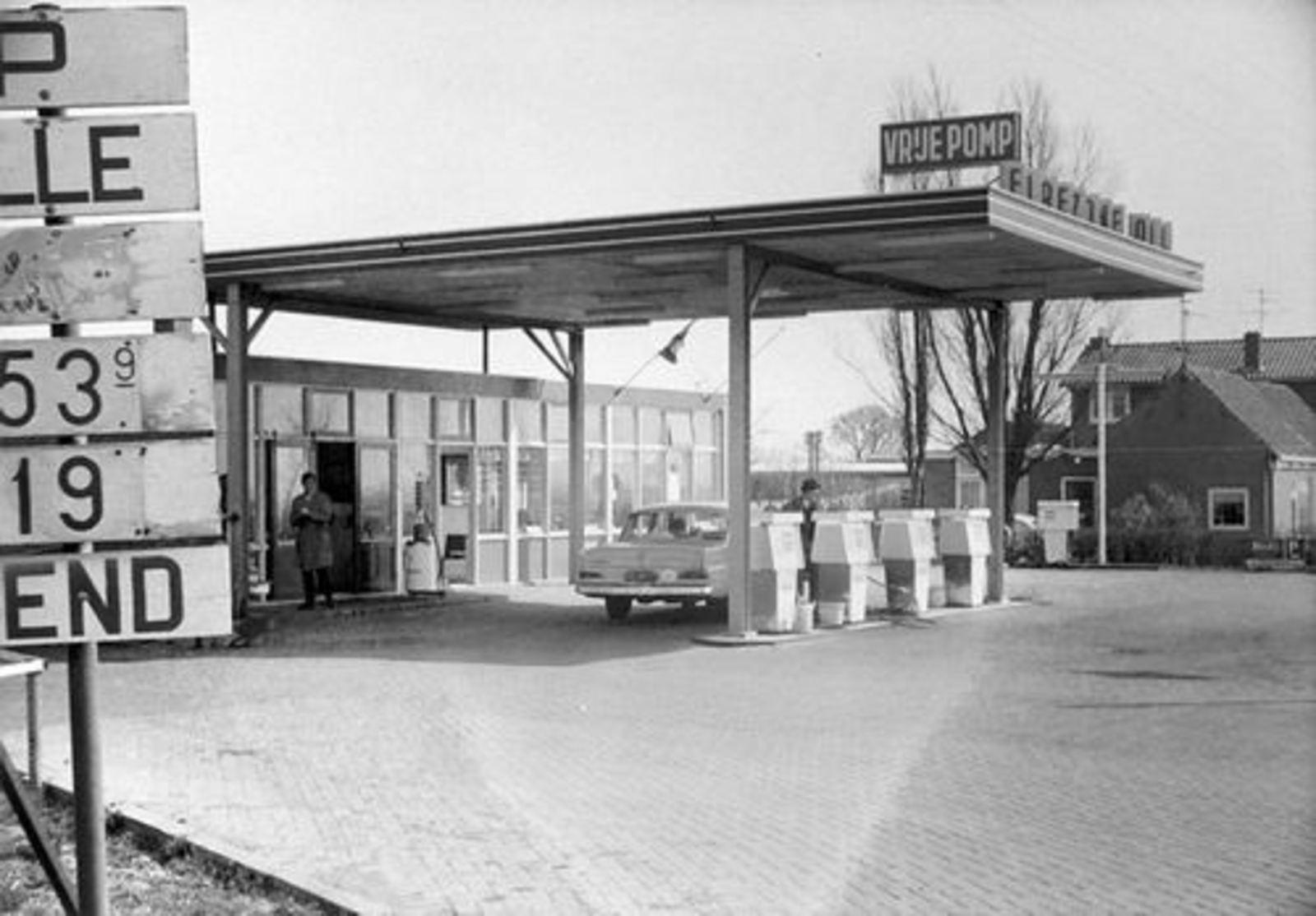 Kruisweg N 0607 1964+ Benzinestation Kromhout