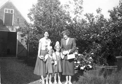 Kruisweg N 0983 1952 met Fam Galis en Spijker 01