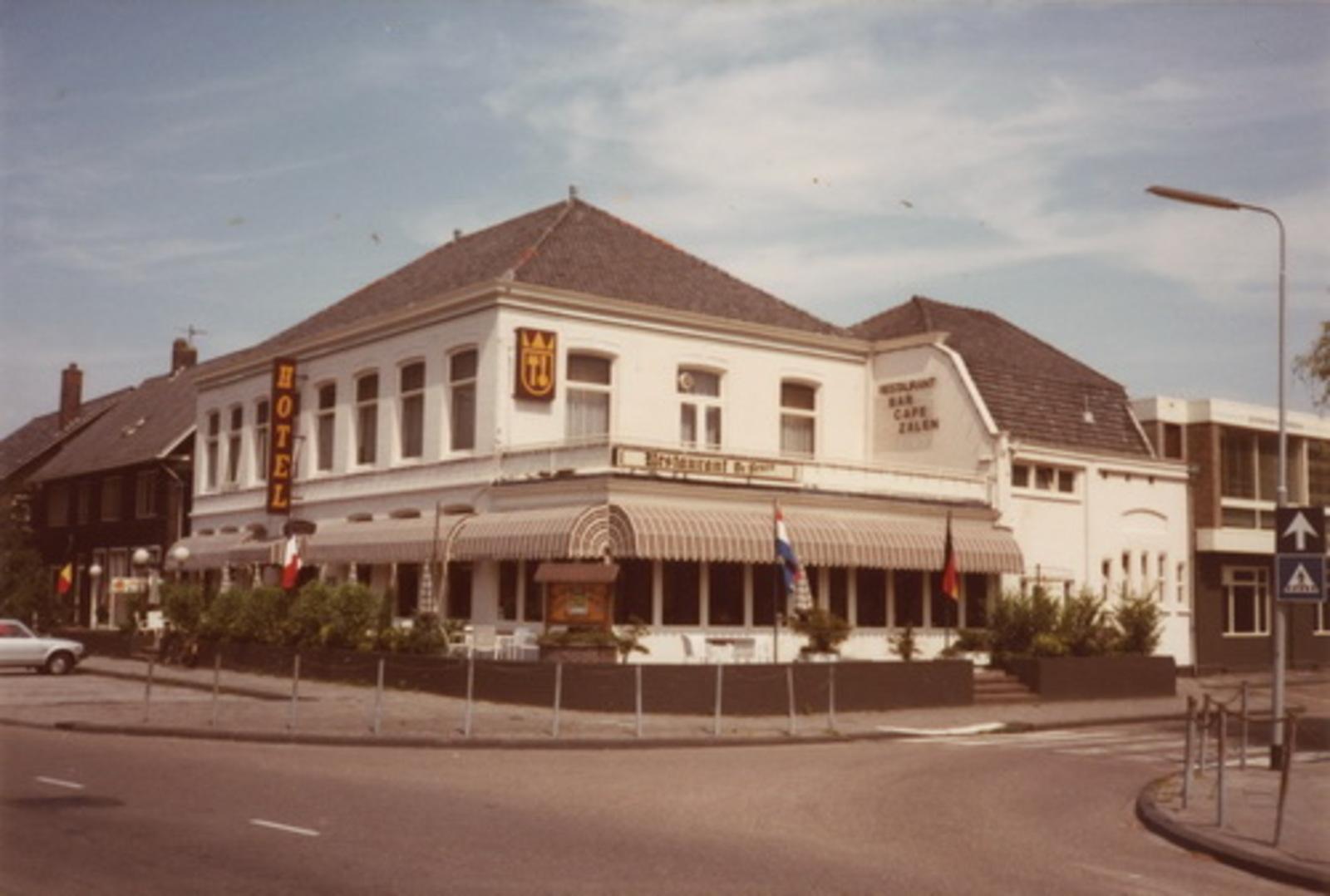 Kruisweg N 1007 1983 hotel de Beurs