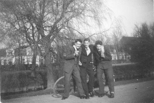 <b>ZOEKPLAATJE:</b>&nbsp;Kruisweg N 1027- 1950 met Onbekenden
