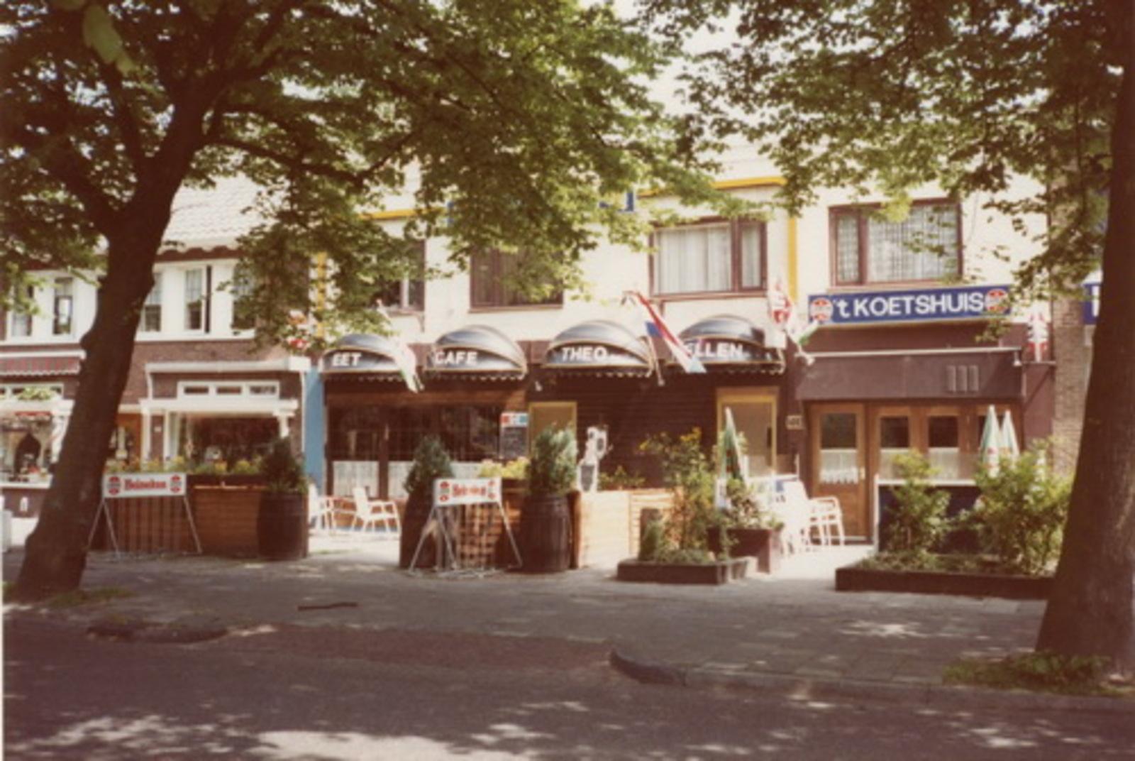 Kruisweg N 1033 1983 Eetcafe Theo en Ellen vh Scaramouche