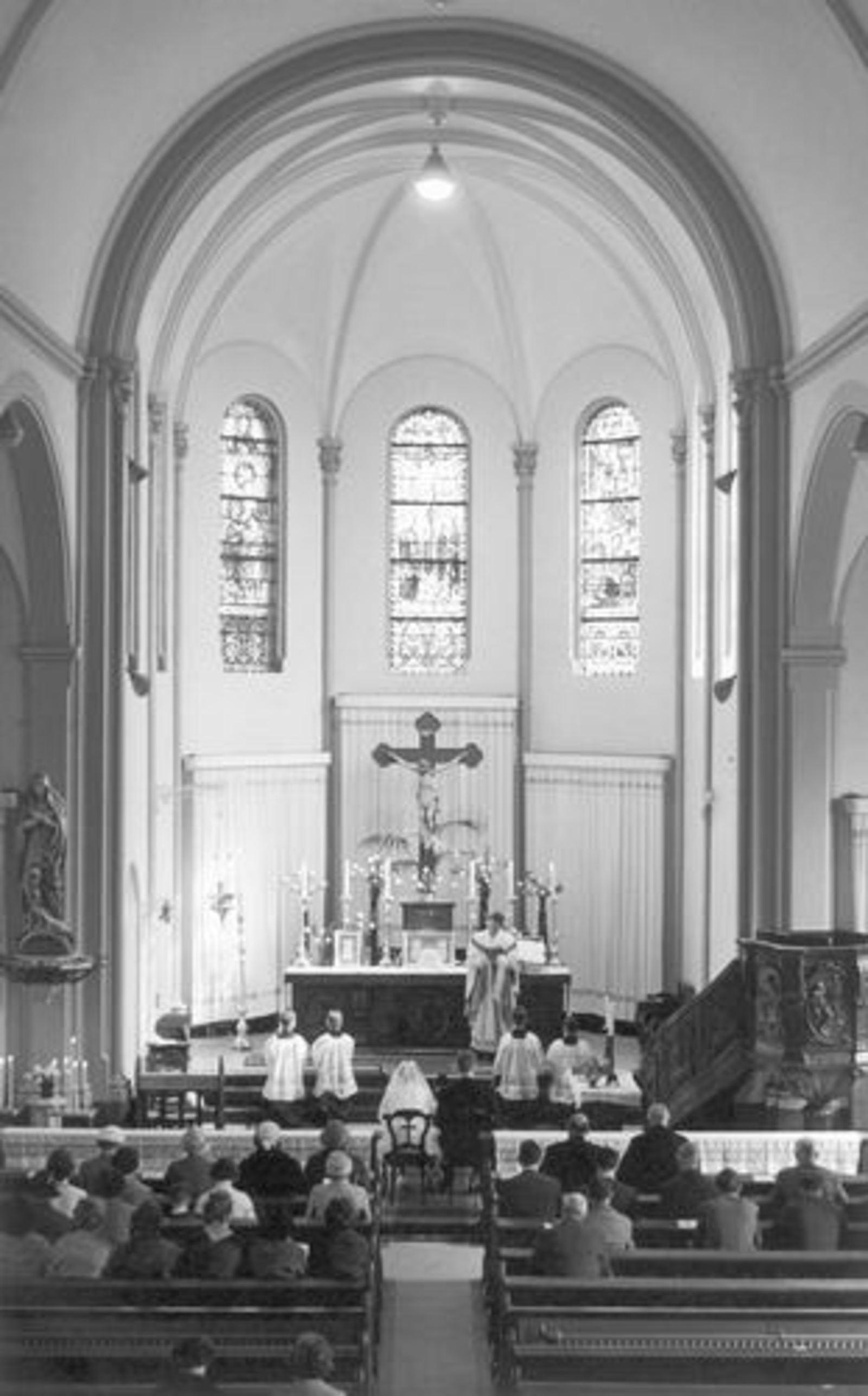 Kruisweg N 1069 1961 RK Kerk bij trouwen Ria Koeckhoven 01