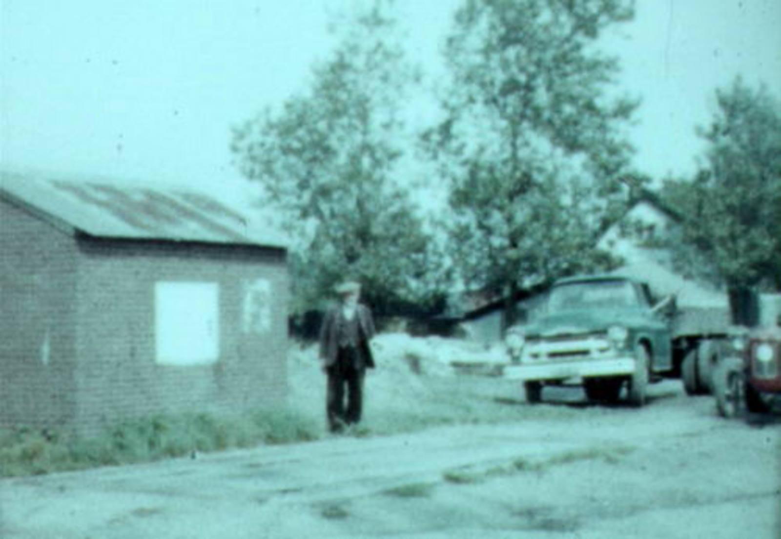 Leimuiderdijk 0510+ 1960-63 Weegbrug bedient door Kees Lagerweij 01