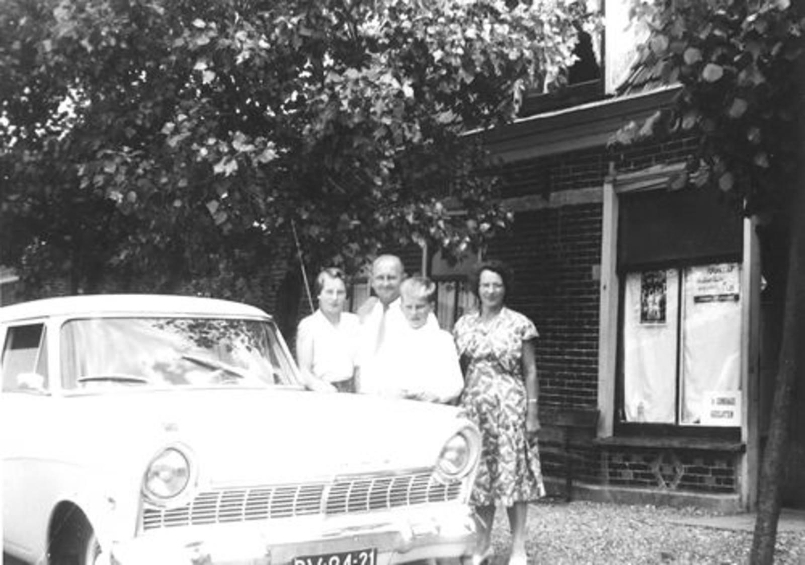 Lisserdijk 0057 1958± Bakkerij de Man