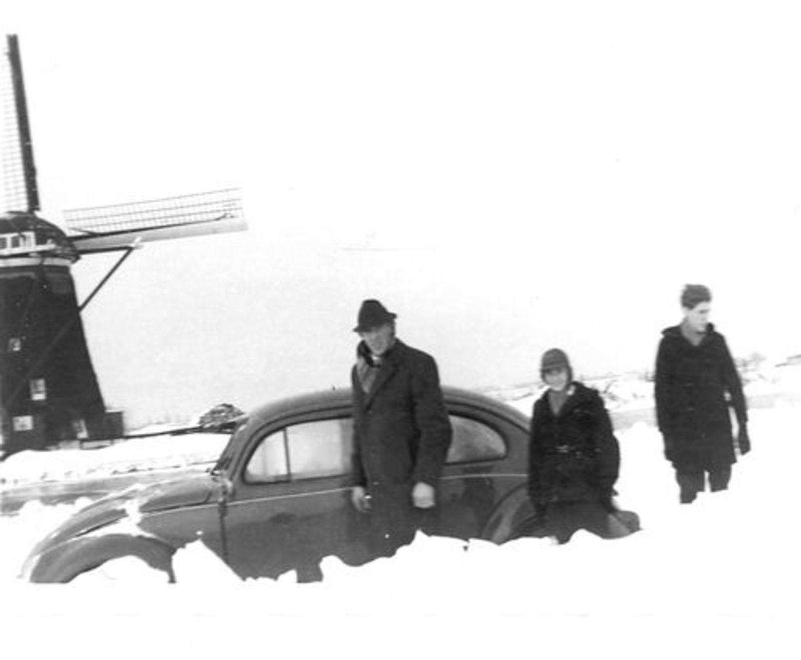 Lisserdijk 0130± Overzijde 1963 Molen met Broers Rip in de Sneeuw