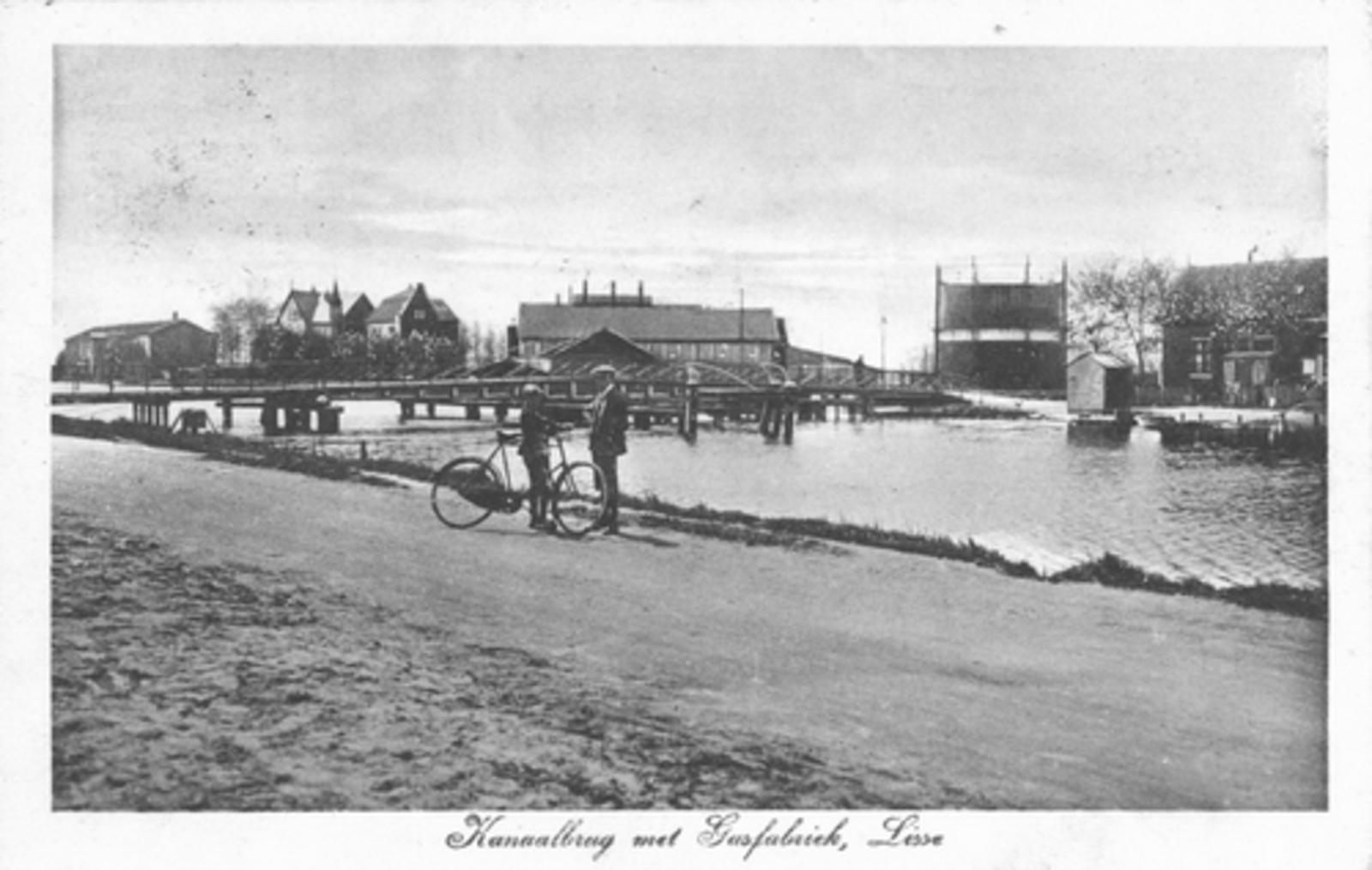 Lisserdijk 0530± 1928 Lisserbrug met Gasfabriek