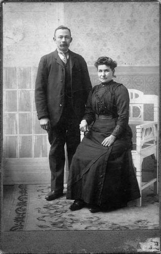 Mantel Pieter Janzn 1866 1893 trouwt Gerritje Terlouw