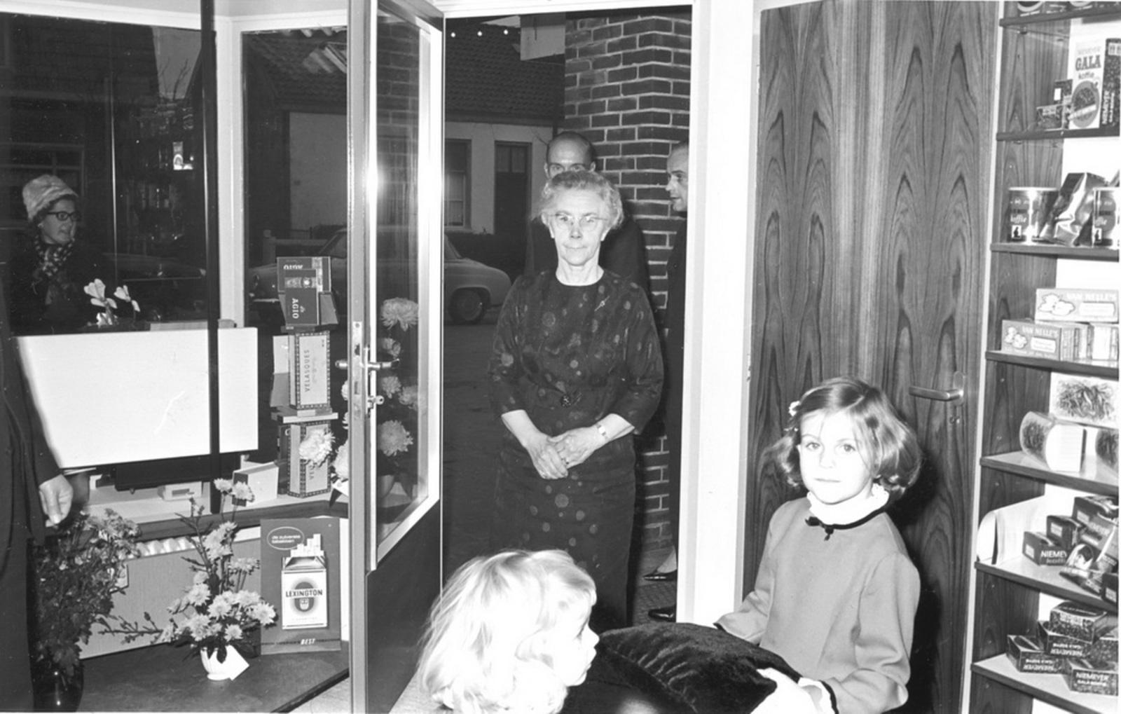Marktlaan O 0022 1963 Opening Nieuwe Winkel Kraak 24