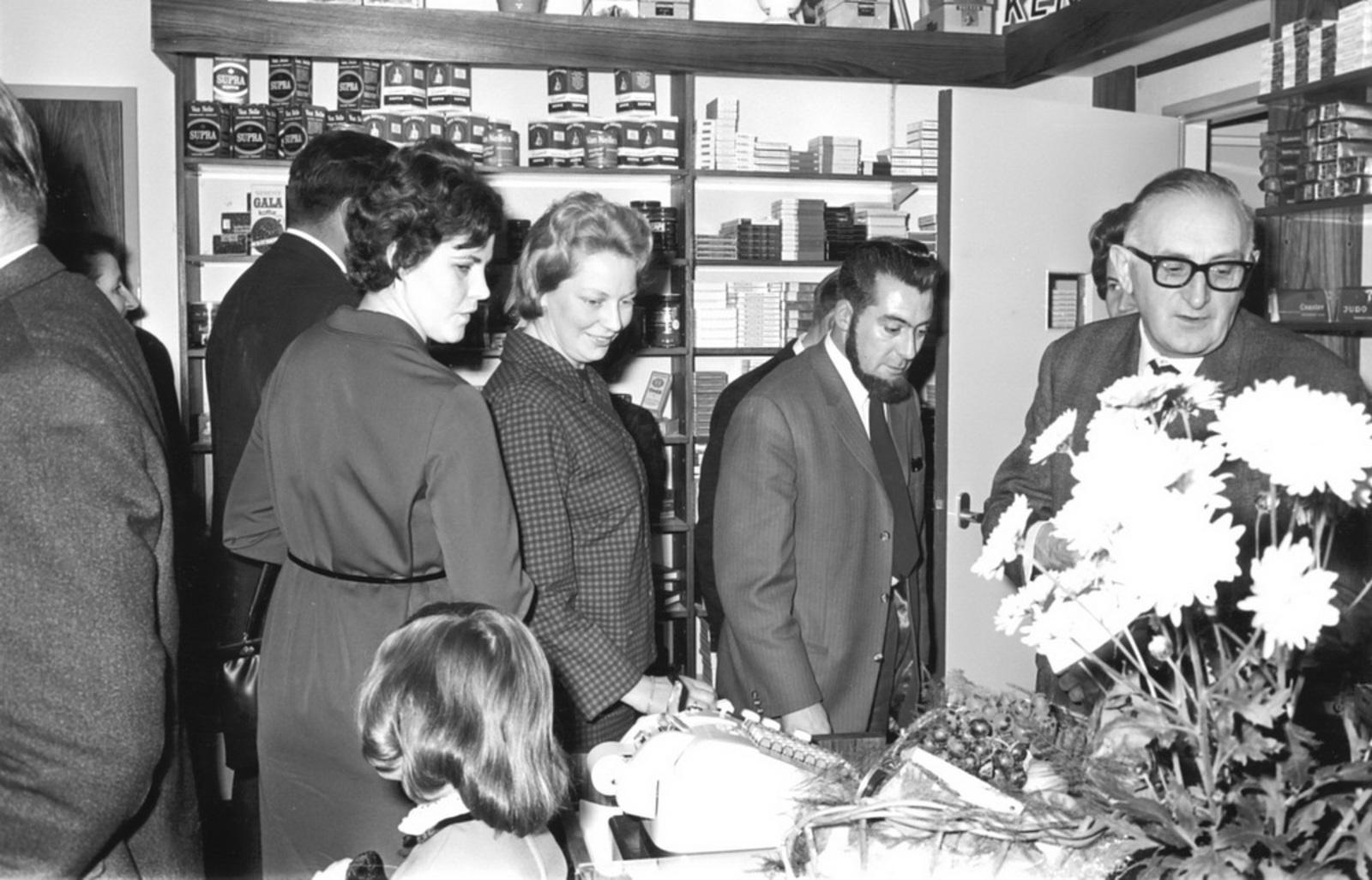 Marktlaan O 0022 1963 Opening Nieuwe Winkel Kraak 25