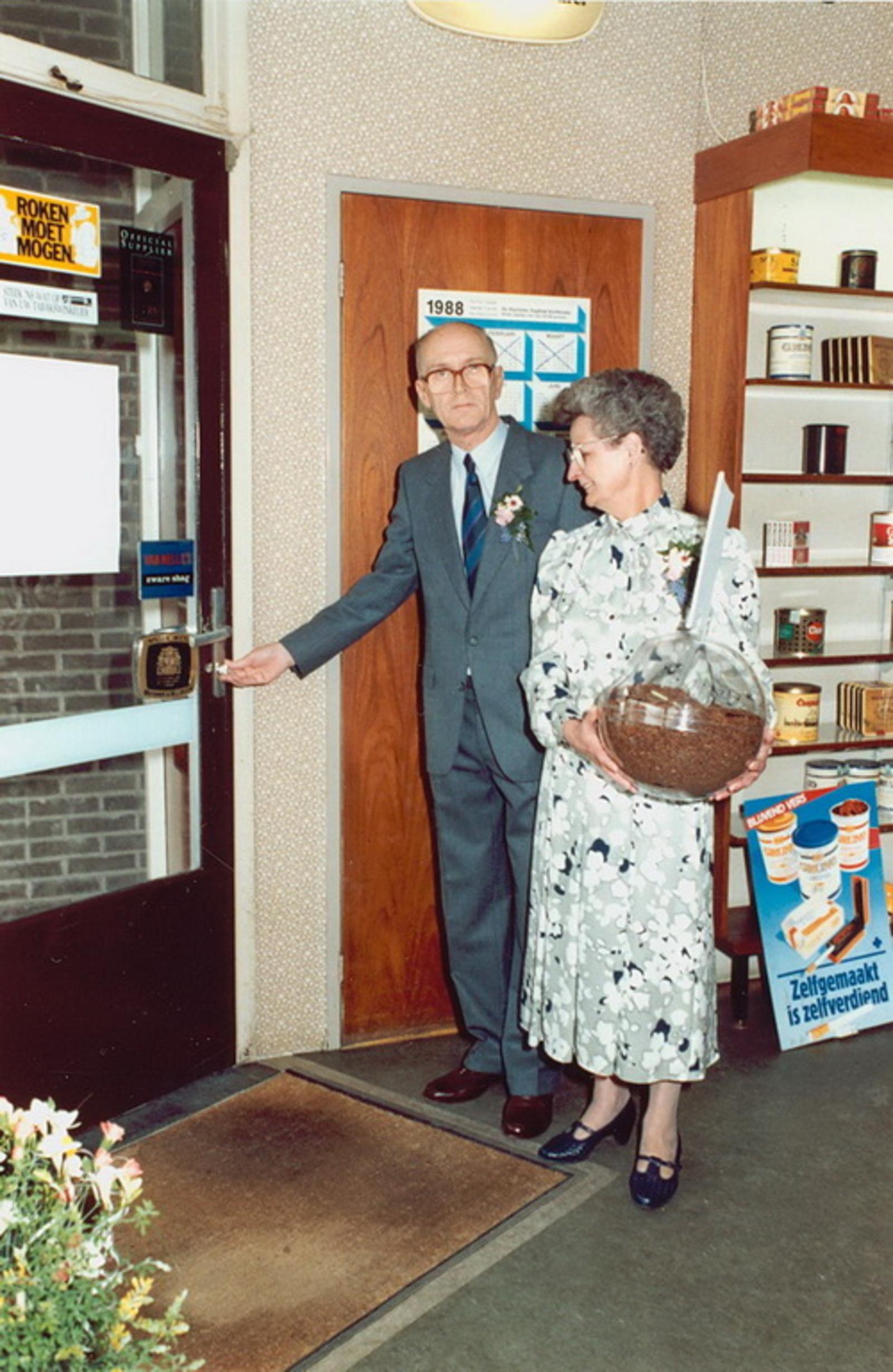Marktlaan O 0022 1988 Sigarenboer Kraak 50jr Jub en Sluiting 17
