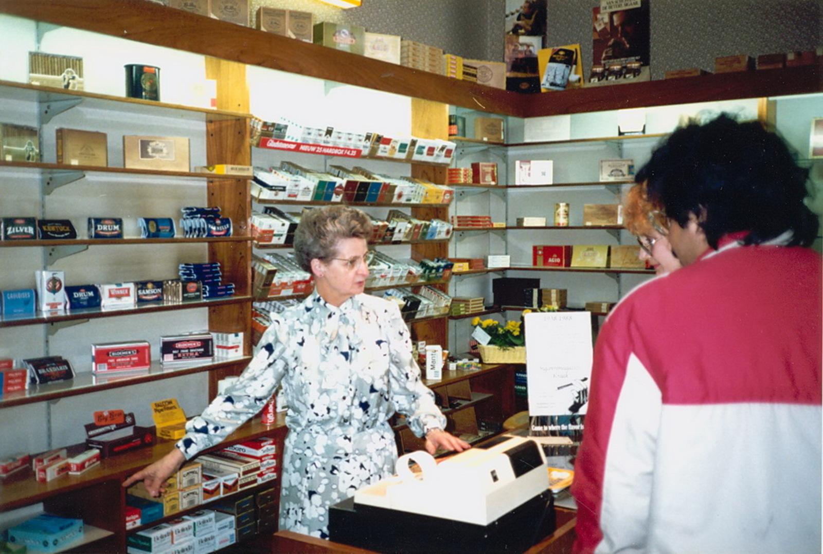Marktlaan O 0022 1988 Sigarenboer Kraak 50jr Jub en Sluiting 25