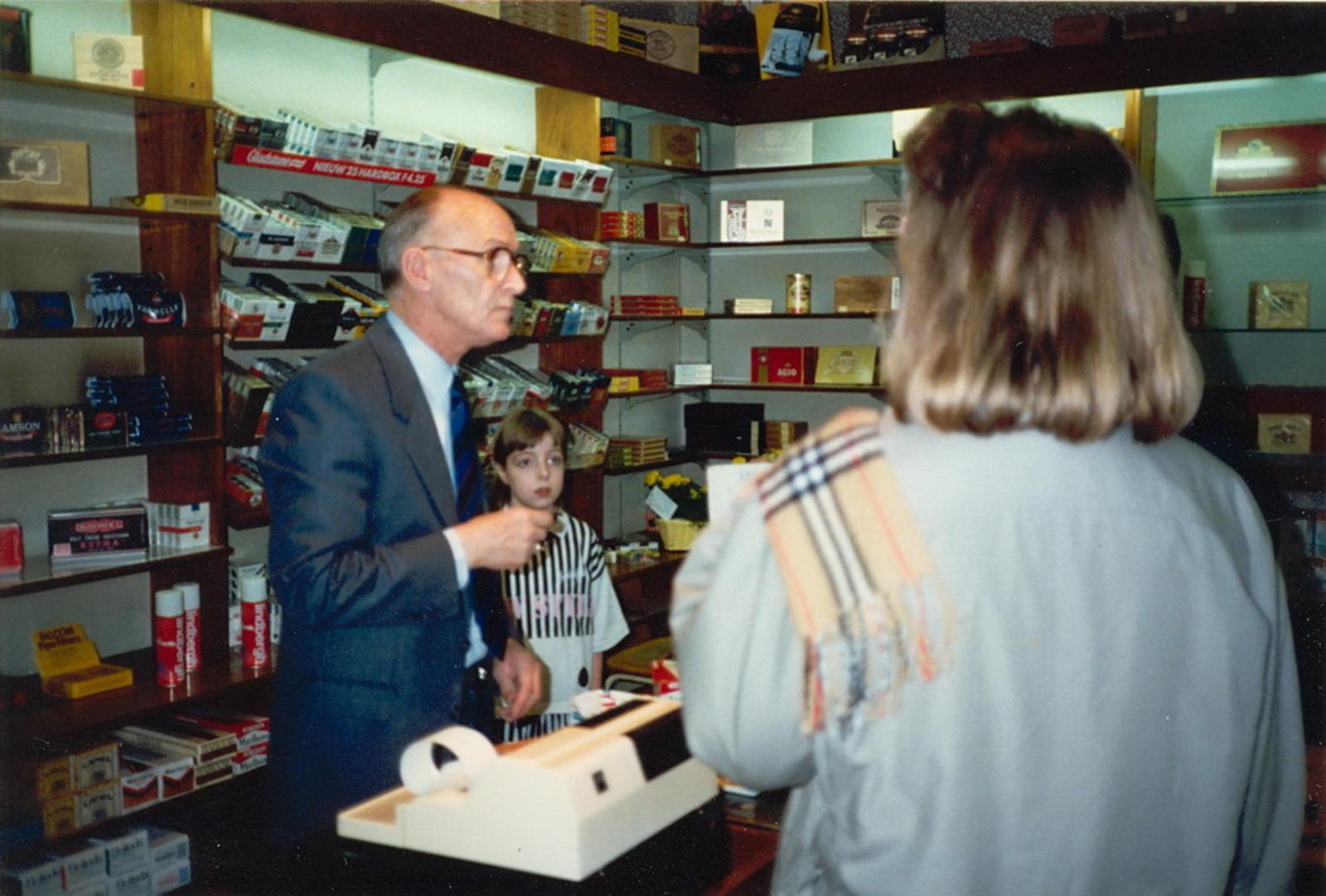 Marktlaan O 0022 1988 Sigarenboer Kraak 50jr Jub en Sluiting 26