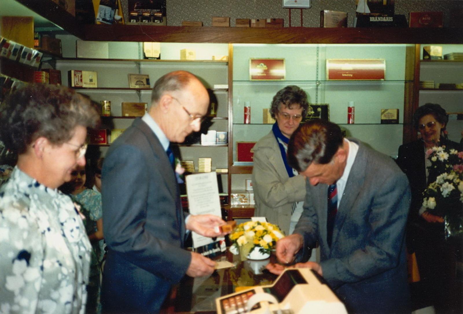Marktlaan O 0022 1988 Sigarenboer Kraak 50jr Jub en Sluiting 28