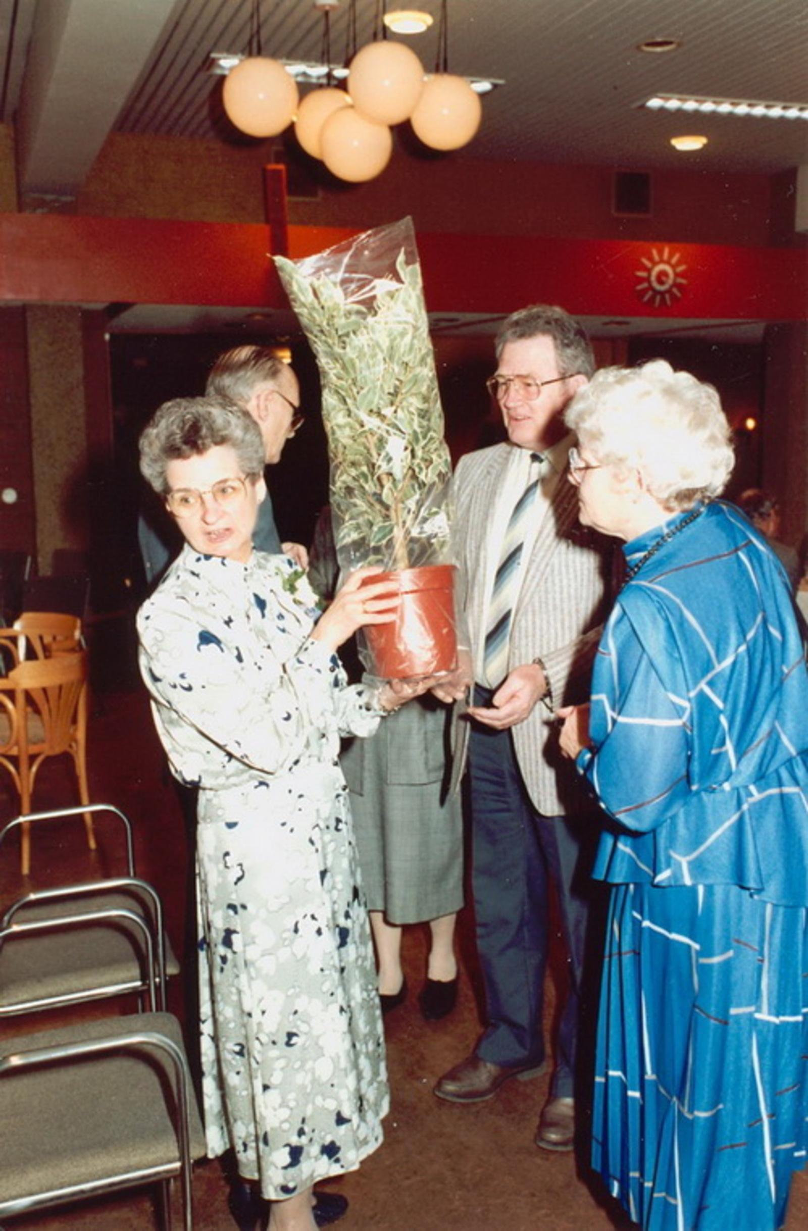 Marktlaan O 0022 1988 Sigarenboer Kraak 50jr Jub en Sluiting 66