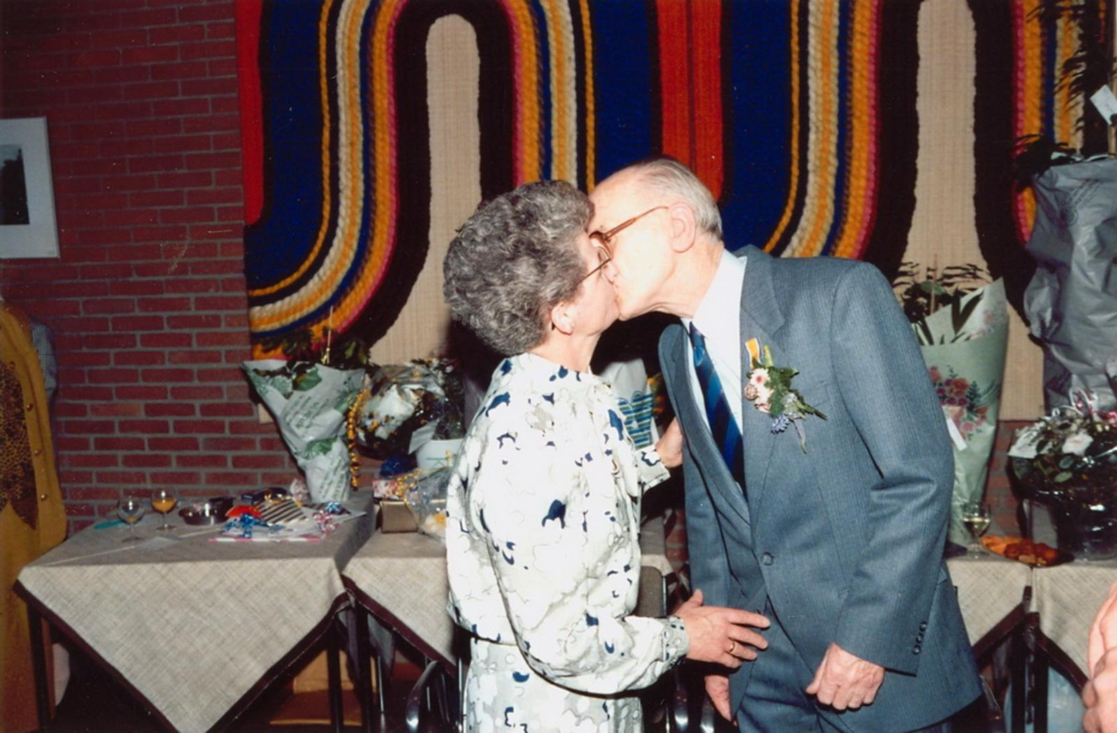 Marktlaan O 0022 1988 Sigarenboer Kraak 50jr Jub en Sluiting 81