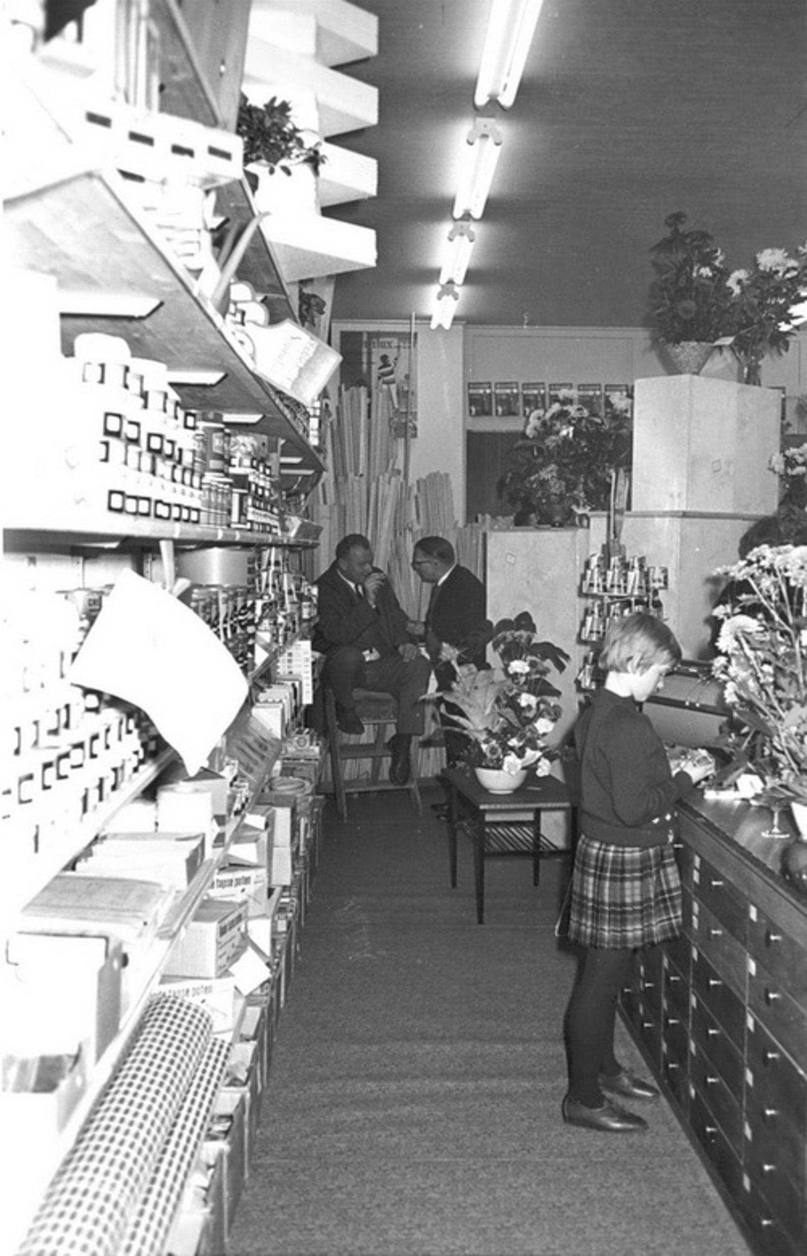 Marktlaan O 0024 1963 Opening Nieuwe Winkel v Scheppingen 02