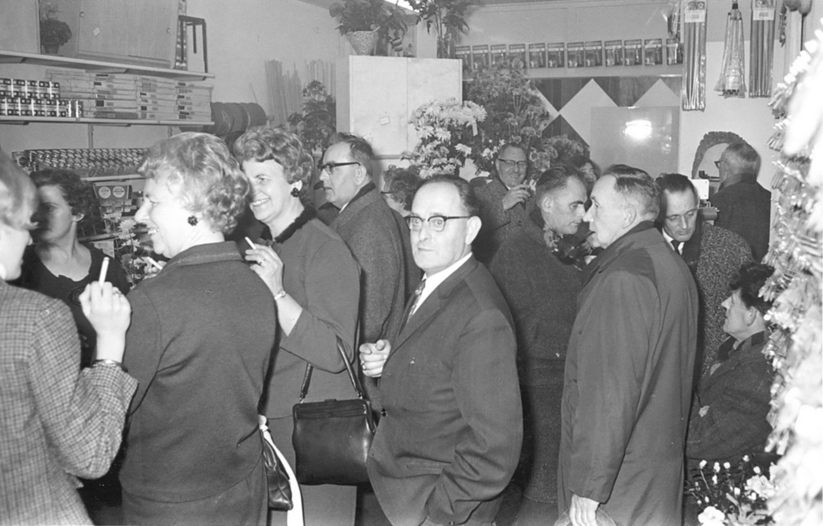 Marktlaan O 0024 1963 Opening Nieuwe Winkel v Scheppingen 03