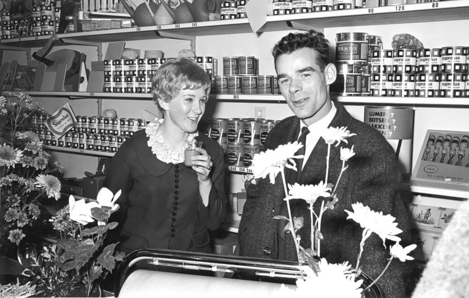 Marktlaan O 0024 1963 Opening Nieuwe Winkel v Scheppingen 06