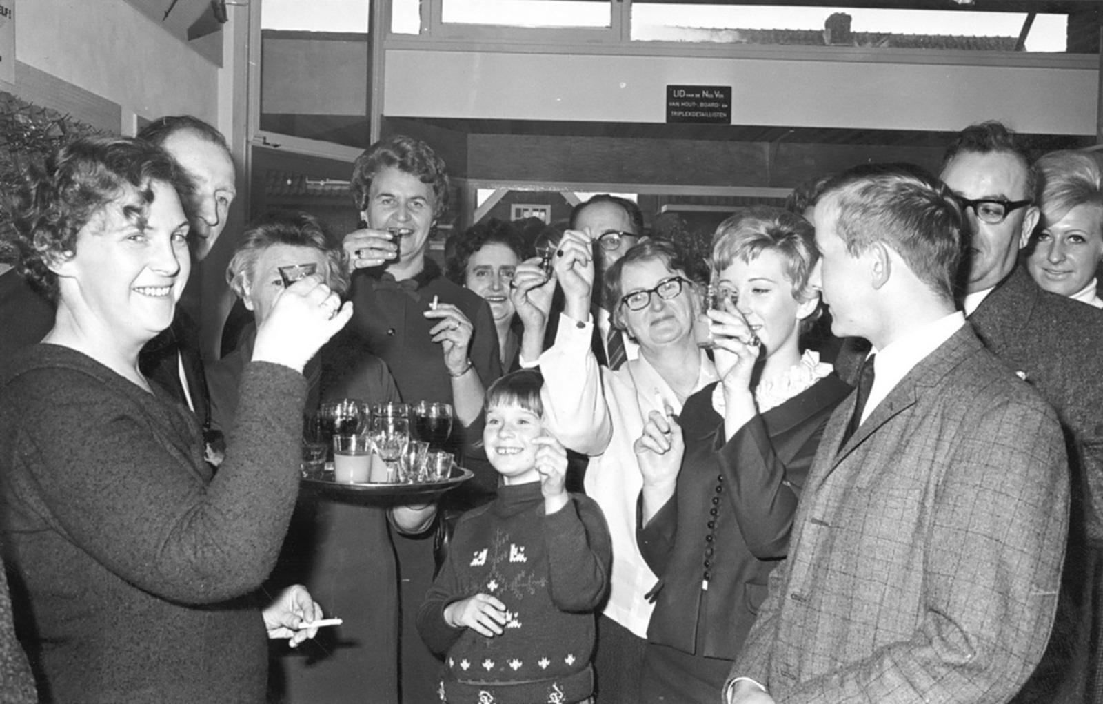 Marktlaan O 0024 1963 Opening Nieuwe Winkel v Scheppingen 08