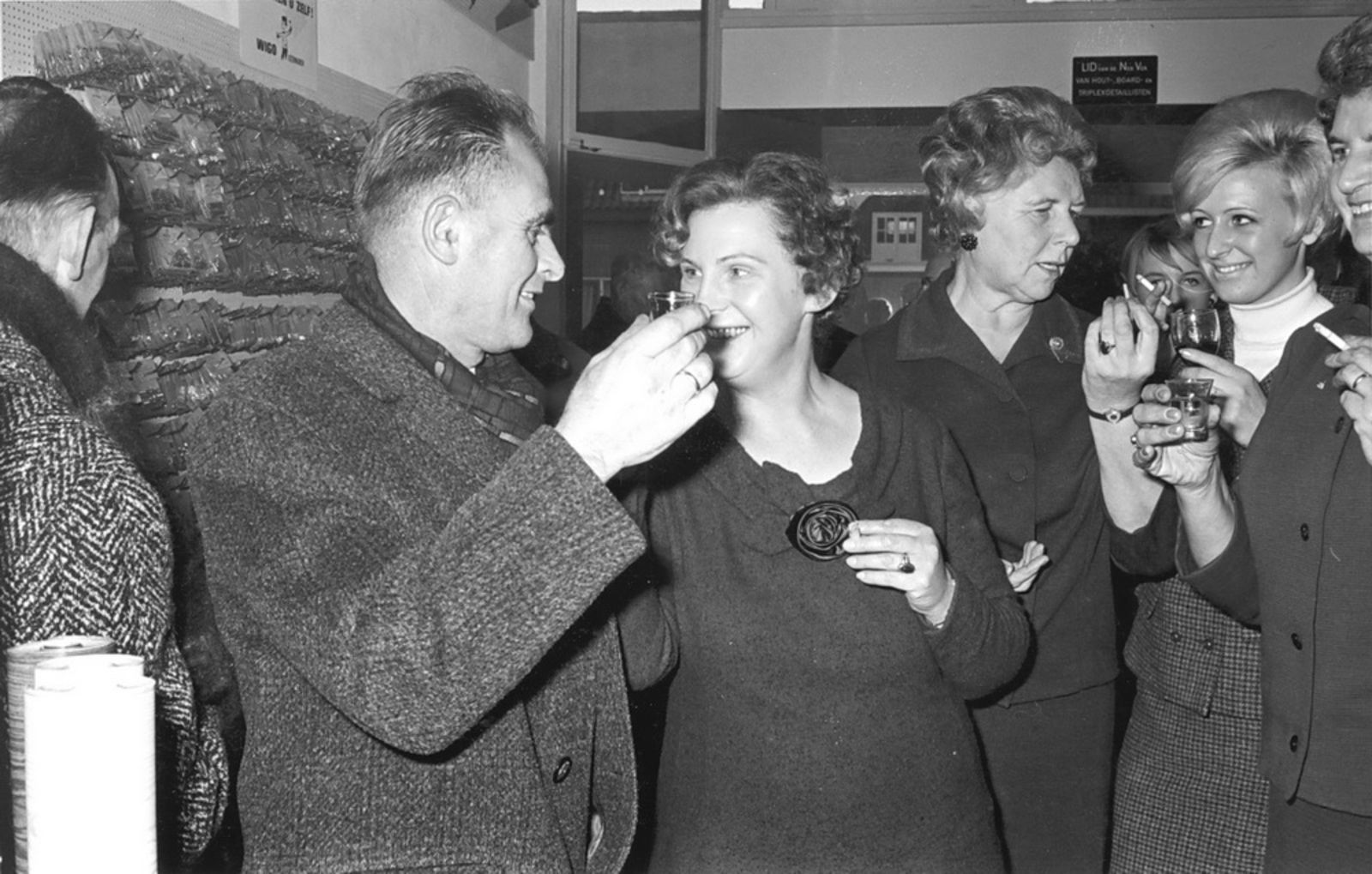 Marktlaan O 0024 1963 Opening Nieuwe Winkel v Scheppingen 09