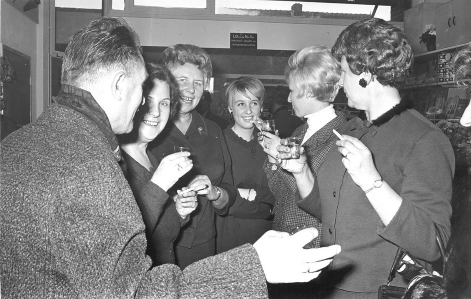 Marktlaan O 0024 1963 Opening Nieuwe Winkel v Scheppingen 10